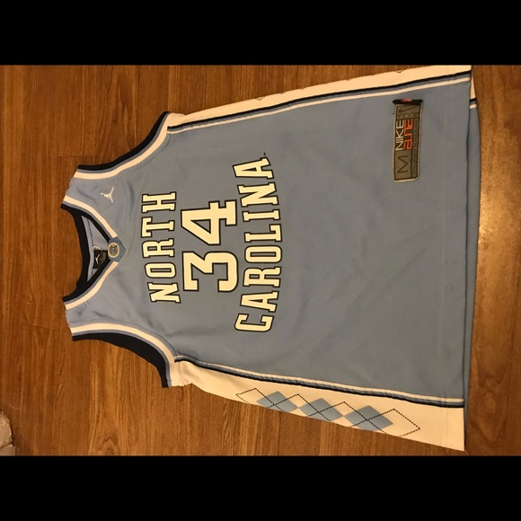 more photos b84b5 9b758 North Carolina Tar Heels #34 basketball jersey